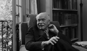 Dr.-Carl-Jung-relaxing-in-an-easy-chair-in-his-library-at-home-in-Knusnacht-Switzerland-1949-820x483