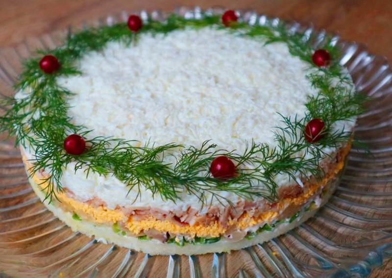 """სალათი """"საახალწლო"""": ყოველთვის მალე თავდება ისე მოგვწონს, ამიტომ ორ პორციას ვამზადებ ხოლმე."""