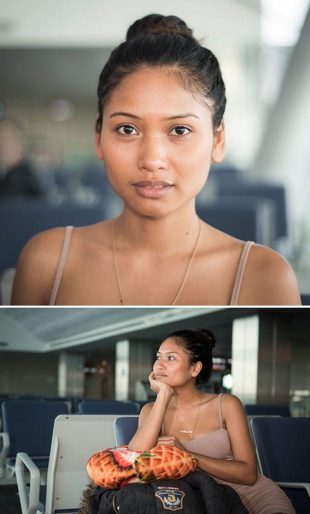აეროპორტის თანამშრომელი გამორჩეული მგზავრების ფოტოებს იღებს. ნახეთ მისი გალერეა.