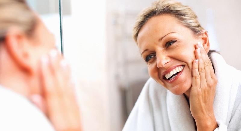 მოიშორეთ ნაოჭები. 4 ჩვეულებრივი ინგრედიენტი სახეს 10 წლით გაგიახალგაზრდავებთ.