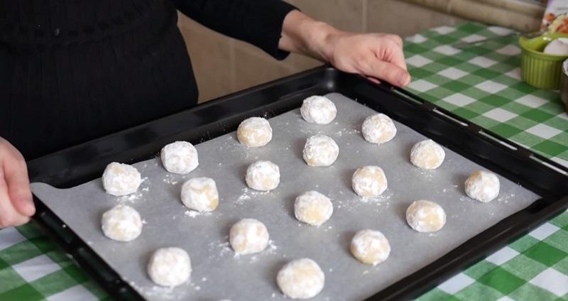 2 კვერცხი, 1 ლიმონი, 200 მლ კეფირი: ვიღებთ ამ ინგრედიენტებს და ვამზადებთ უგემრიელეს ორცხობილას.