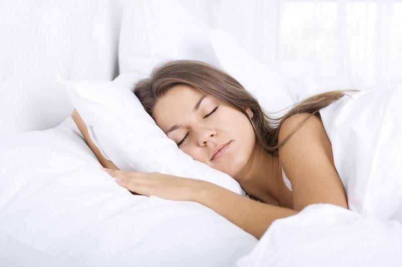 ძილის სპეციალისტი: თუ ღამის 11-დან 1 საათამდე არ დაიძინებთ, თქვენი ნერვული და კუნთოვანი სისტემა დაზიანდება, ასევე გამოგეცლებათ სასიცოცხლო ძალა.