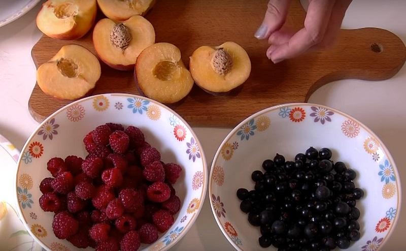 ჟელეს ტორტი ხილით