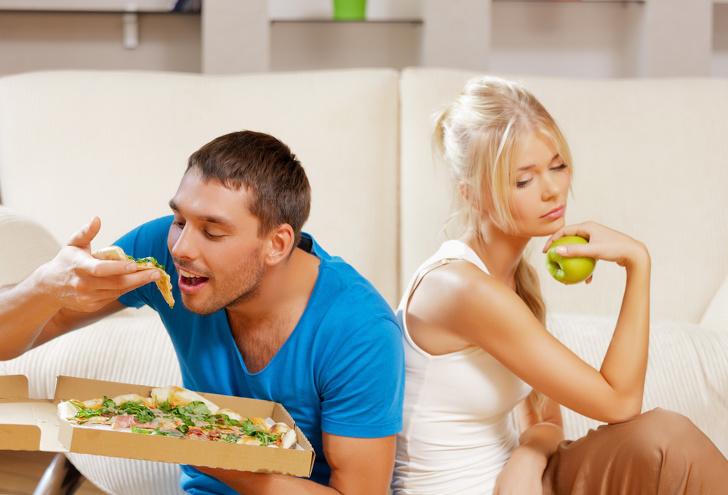 კვლევა: სიყვარულით დაქორწინებული წყვილები მარტივად იმატებენ წონაში