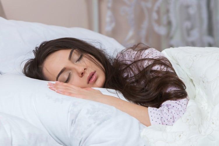 დრო, როცა დასაძინებლად წვებით, თქვენი პიროვნების ფარულ მახასიათებლებს გამოავლენს